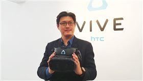 宏達電推3大新品 續攻VR商機宏達電宣布推出完整的VIVE Cosmos系列,其中包括3款全新的VIVE Cosmos系列頭戴式顯示器,與3款可換式面板模組,分別為VIVE Cosmos Elite、XR、Play。中央社記者江明晏攝 109年2月20日