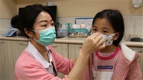 兒童口罩會戴了嗎?護理師親示範3步驟 爸媽快學惡補