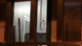 白牌車司機妹工廠傳停工 防疫人員:隔離以接觸史為準(圖/翻攝畫面)