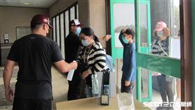 ▲首爾培證英雄春訓練習賽在澄清湖球場防疫措施。(圖/記者蕭保祥攝影)