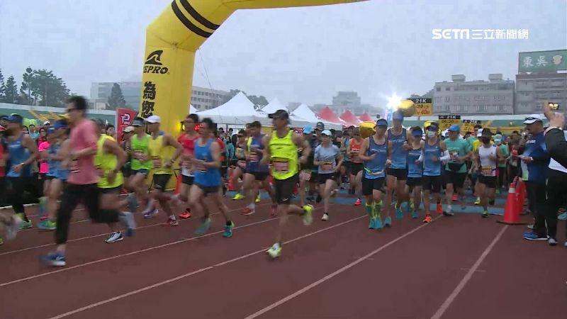 防疫謝絕外國跑者!9千人馬拉松開跑