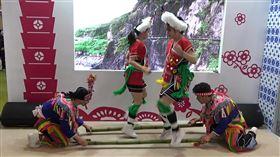 凡徒藝術表演團體推銷台灣旅遊台灣觀光代表團參加雅加達春季旅展,圖為凡徒藝術表演團體22日在台灣館的演出。中央社記者石秀娟雅加達攝 109年2月23日