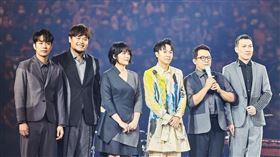 吳青峰台北小巨蛋演唱會第二天 蘇打綠驚喜現身 環球唱片提供 記者林聖凱攝影