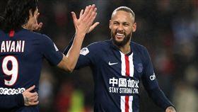 巴黎聖日耳曼內馬爾穿上中國加油球衣。(圖/路透社/達志影像)