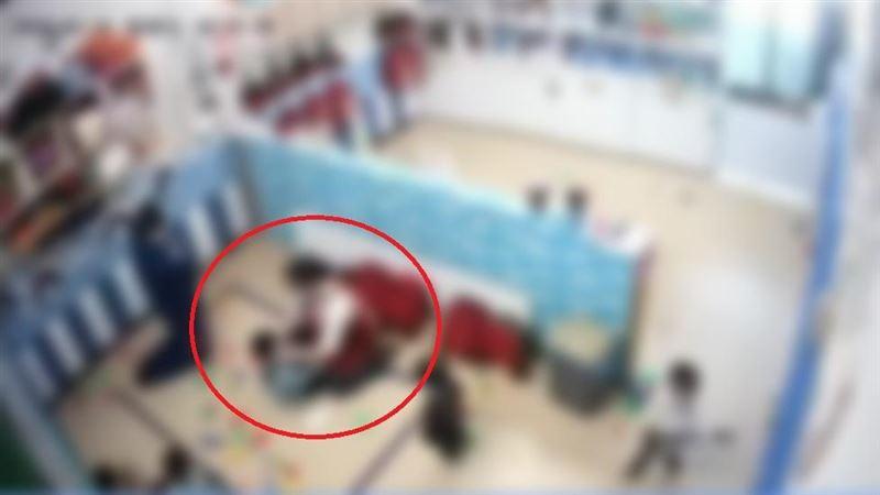 台南托嬰中心爆虐童 網友:拳頭硬了