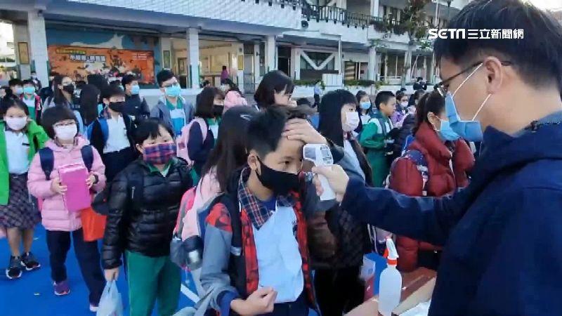 「全球恐剩台灣學生到校上課」!《彭博社》大讚台灣的成功