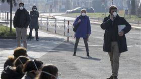 義大利人、戴口罩、外國人、國外(圖/美聯社/達志影像)