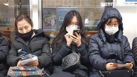 南韓,韓國,口罩,排隊,地鐵(2/24) 圖/徐筱嵐提供