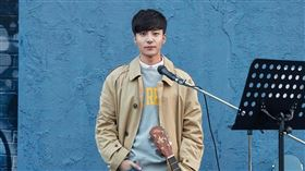 男歌手Roy Kim去年形象一落千丈。(圖/翻攝自Roy Kim IG)