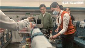 交通部長林佳龍視察高鐵防疫工作。(記者陳宜加攝影)