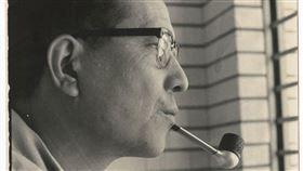 今天是導演辛奇逝世10週年,國影中心「TFI台灣電影數位博物館」推出線上展覽「跨越—辛奇的本事」,結合數位照片影像,回顧台灣這名重量級導演的多方位影劇人生。