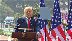 川普:擴大四邊會談的任務為對抗中國軍力擴張,美國總統川普(圖)25日在與印度總理莫迪會談後說,決定振興擴大「四邊會談」的任務。中央社記者康世人新德里攝  109年2月25日