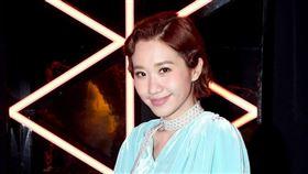 蕭煌奇與LULU今(27日)進棚錄製《上奅台灣歌》。圖/華視提供