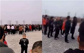中國大媽開工!200人齊跳廣場舞 「沒戴口罩」電音嗨翻(圖/翻攝自微博)
