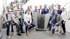 ▲保時捷推出指紋客製化噴塗服務。(圖/Porsche提供)