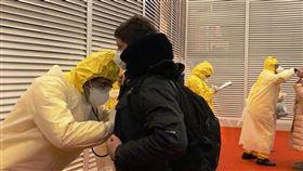 巴西僑民登機前篩檢巴西醫療團隊在武漢登機前對返回乘客進行篩檢。(何曄俐提供)中央社記者唐雅陵聖保羅傳真 109年2月20日