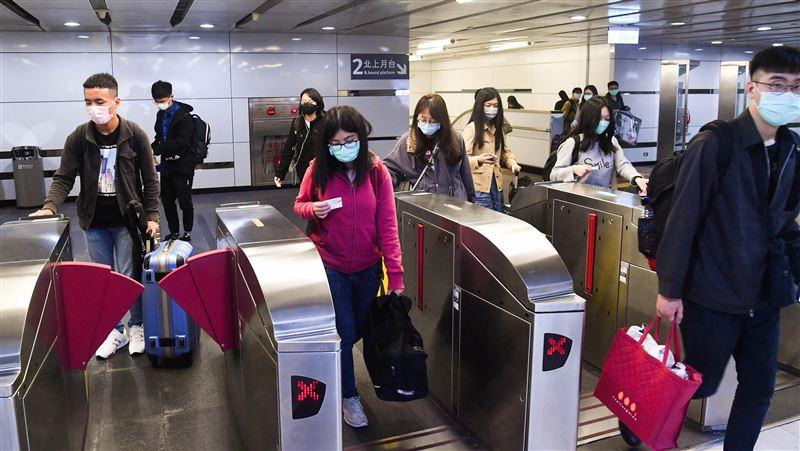 清明返鄉搭大眾運輸應戴口罩 但發燒無法禁搭車