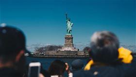 紐約州長古莫3日宣布,紐約市近郊一名50歲男子確診武漢肺炎,為州內第2例確診病例。圖為美國紐約自由女神像。(圖取自Unsplash圖庫)