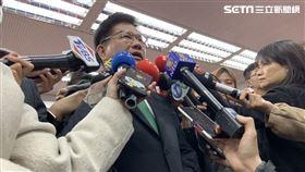 交通部長林佳龍受訪。(圖/記者陳宜加攝影)