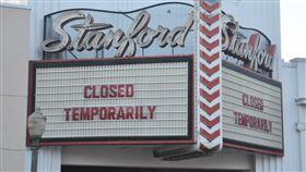 戲院暫停營業可理解一位當地民眾表示,任何活動把很多人近距離聚集在一起都有機會造成災難,認同以銀髮族為訴求的史丹佛戲院暫停營業。中央社記者周世惠舊金山攝 109年3月4日