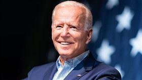 美國民主黨總統參選人、前副總統拜登競選團隊4日晚間表示,團隊42小時內在網路上募得710萬美元(約新台幣2億1456萬元)的競選經費。(圖取自facebook.com/joebiden)