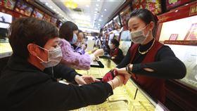 越南,武漢肺炎,口罩,防疫。(圖/美聯社/達志影像)
