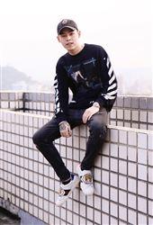 K9目前在香港唸大學,為了回台灣一路上超驚魂。(圖/記者林聖凱攝影)
