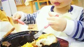 羨慕弟弟的幼兒園的午餐(圖/翻攝自Dcard)