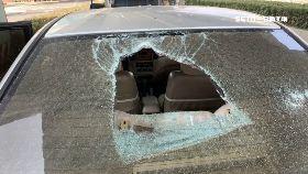 文 橋剝落砸車1800
