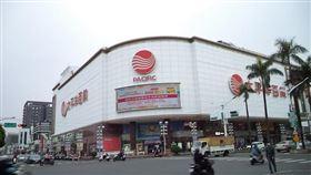 太平洋百貨為屏東市區精華地段。(圖/全國不動產提供)