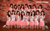 統一獅隊專屬啦啦隊「Uni-girls」春訓,16人士史上最多人的一屆。(記者邱榮吉/攝影)