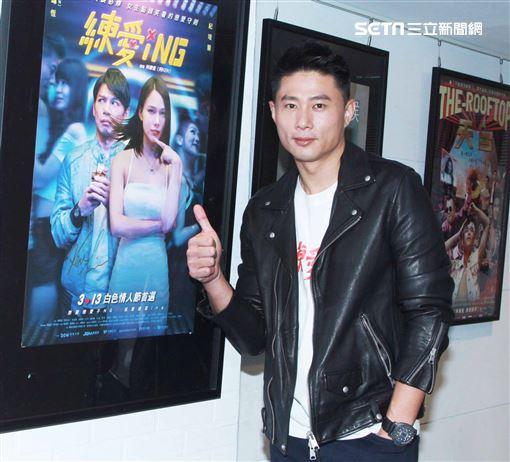 「練愛iNG」監製小刀接受三立新聞網專訪。(記者邱榮吉/攝影)