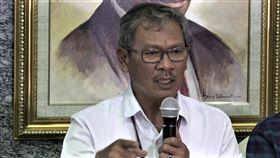 印尼政府武漢肺炎發言人印尼衛生部疾病管制及預防局秘書長艾瑪德最近受命為武漢肺炎議題的政府發言人。他曾因將病毒與疾病名稱搞混惹議。圖為他主持4日的疫情說明記者會。中央社記者石秀娟雅加達攝  109年3月6日