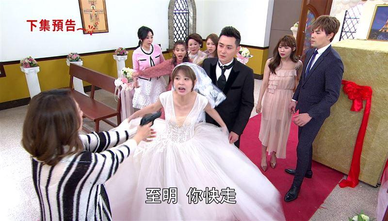 陳冠霖被槍射擊!跪倒紅地毯嚇壞老婆