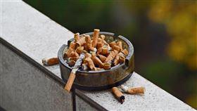 -香菸-二手菸-菸灰缸-(圖/pixabay)