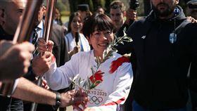 奧運聖火點燃開始傳遞,預計3月20日抵達日本。(圖/路透社/達志影像)