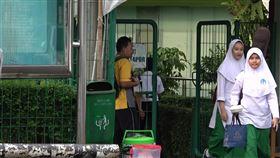 印尼部分學校停課因應武漢肺炎武漢肺炎疫情在印尼擴大,雅加達部分國際學校改採線上教學,中爪哇梭羅市高中以下學校將停課。圖為雅加達一所中學。中央社記者石秀娟雅加達攝 109年3月14日