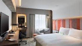 台北亞都麗緻大飯店推出「買一贈一、歡樂延長至9月」住房專案。(圖/亞都麗緻提供)