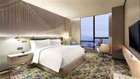 台北新板希爾頓酒店希爾頓客房。(圖/台北新板希爾頓提供)
