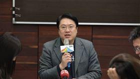 基隆市長林右昌,民政處長王榆森,基隆市府提供
