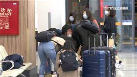口罩,機場,行李,防疫。(示意圖/資料照)
