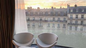 TripPlus/在巴黎凱旋門為媽媽慶生就是難忘!