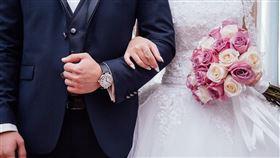 英國英格蘭教會19日發布最新指南,建議婚禮只有法定最低人數的5人可以參加,防止武漢肺炎擴散。(示意圖/圖取自Pixabay圖庫)
