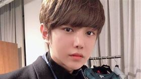 曾參加過南韓綜藝節目《臉讚時代》的帥氣網紅李治勛(이치훈)因急性敗血症過世,享年32歲。IG