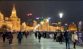 上海外灘重現往日人潮