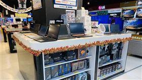 家樂福推出3C電腦商品促銷搶攻居家辦公、上課商機。(圖/業者提供)