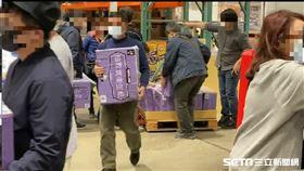 五大賣場祭出衛生紙限購令,不少消費者一早急添購。