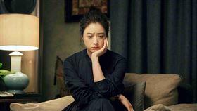蔣欣和靳東主演《如果歲月可回頭》(圖/愛奇藝台灣站提供)
