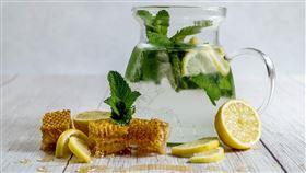 蜂蜜,檸檬水,示意圖(圖/翻攝自Pixabay) https://goo.gl/EpxtS4