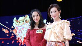2017年時劉真與好友楊千霈曾一同上胡瓜、唐立淇主持公視節目「大腦先生」。圖/公視提供